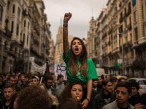Протестующие на улицах Мадрида Фото: diddlybop.ru